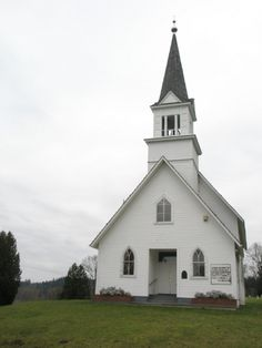 Little white chapel ~ This looks like my great grandfather's little Baptist church in Fountain Run, Ky.