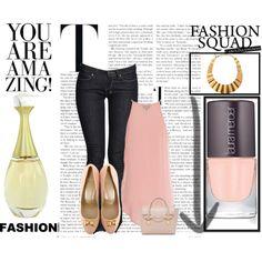 Un look romántico para este viernes con piezas en tonos rosas. 1 Perfume J'adore http://fashion.linio.com.mx/a/4