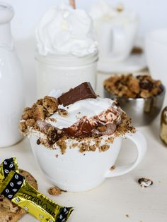 chocolate chip cookies and cream hot chocolate I howsweeteats.com