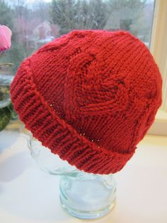 Free knitting pattern for Cabled Heart Hat Knitting Stiches, Cable Knitting, Knitting Patterns Free, Knit Patterns, Free Knitting, Free Pattern, Knitted Heart Pattern, Mittens Pattern, Knitting For Kids