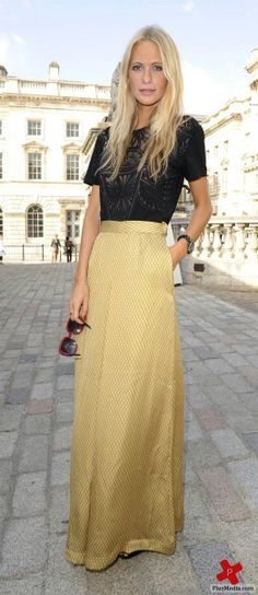 I typically don't go for long skirts, but I love gold and I love this look.