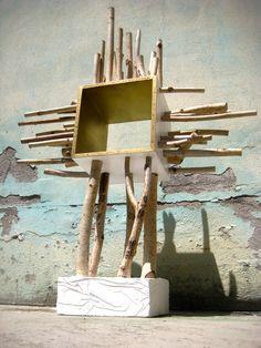 TabLernacle - Porta oggetti a Croce - Cross Cabinet La forma realizzata con un cubo di Legno e rami di Betulla, offre un'immagine sacra che richiama la croce, valorizzando al massimo l'oggetto o il contenuto del mobiletto. In ogni caso l'oggetto, che ha uno spiccato accento artistico, può essere posizionato in qualsiasi ambiente della casa donando eleganza e spiritualità. https://www.etsy.com/it/listing/463524969/tablernacle-porta-oggetti-a-croce-cross?ref=shop_home_active_5