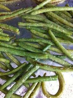 Roasted Garlic Green Beans | The Cookin Chicks