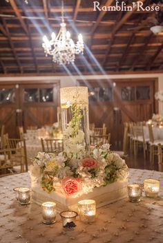 Vintage, floral centerpiece by Southern Event Planners, Memphis, Tennessee. Photo by Ramblin' Rose Photography.