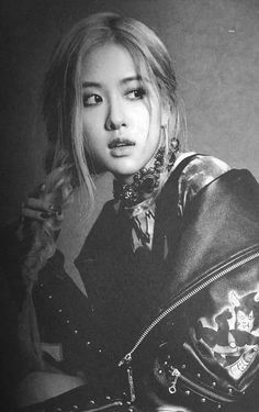 Find images and videos about kpop, rose and blackpink on We Heart It - the app to get lost in what you love. Kim Jennie, Rose And Rosie, Photo Scan, Rose Park, Kim Jisoo, Rose Photos, Park Chaeyoung, Love Rose, Korean Girl Groups