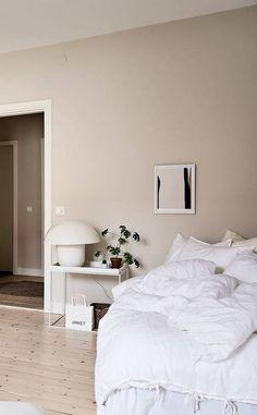 Home Decorating Websites Free Beige Walls Bedroom, Bedroom Wall Colors, Home Decor Bedroom, Beige Wall Colors, Beige Wall Paints, Wall Color Combination, Room Inspiration, Decoration, Home Remodeling