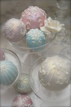 Pastel Christmas: ornaments
