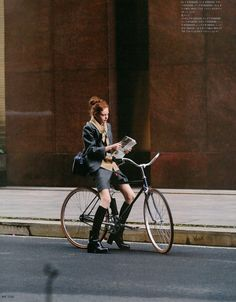 Urban Cycling, Cycle Chic, Bicycle Girl, Bike Style, Preppy Style, Autumn Winter Fashion, Street Style, Style Inspiration, Photography
