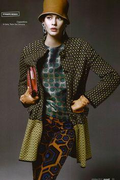 TWIN-SET Simona Barbieri: Wool jacquard coat with buttons and embroidered collar. Magazine: Myself 01.10.12
