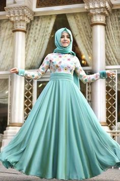 hijab fashion y Abaya Fashion, Modest Fashion, Fashion Dresses, Hijab Style Dress, Hijab Chic, Muslim Women Fashion, Islamic Fashion, Hijab Abaya, Muslim Dress