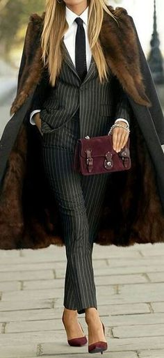 Feel luxurious in menswear inspired clothes just like this look by Ralph Lauren Classy Suits, Classy Casual, Classy Dress, Dress Casual, Office Fashion Women, Womens Fashion For Work, Work Fashion, Curvy Fashion, Street Fashion