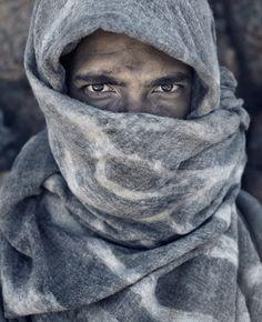 Christoph Köstlin - Kagga Kamma // 04 // male fashion // fashion model // stranded // desert editorial // closeup // portrait // covered face // close portrait // Africa