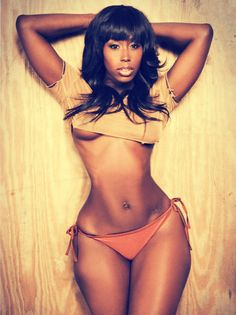 touchingyourbuttons:  Bria Myles Those hips!  0___0 wiffffey world's baddest females here!