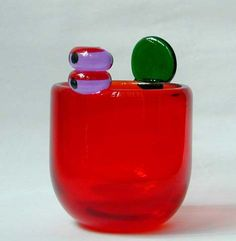 Oiva Toikka (born A Glass Pompom Vase Finland Cut Glass, Glass Art, Glass Vessel, Color Shapes, Dinner Sets, Glass Etching, Glass Design, Scandinavian Design, Decoration