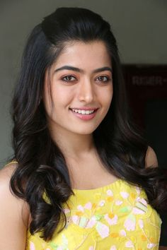 Rashmika Mandanna knows how to win hearts with her impeccable photos Lovely Girl Image, Beautiful Girl Photo, Beautiful Girl Indian, Beautiful Saree, Beautiful Bride, Most Beautiful Bollywood Actress, Beautiful Actresses, Cute Beauty, Beauty Full Girl