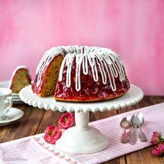 Halusin kehittää Runeberginpäiväksi reseptin, jolla juhlan tunnun saisi kohtuullisella vaivalla. Näin syntyi Runebergin torttua muistuttava kahvikakku. Tart, Gingerbread, Goodies, Candy, Baking, Breakfast, Sweet, Desserts, Recipes