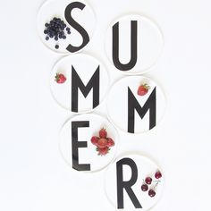 Summer plates and berries - a perfect match! Plates featuring AJ Vintage ABC by Arne Jacobsen. Lettering Design, Design Letters, Wall Of Fame, Danish Design, Designer, Typography, Arne Jacobsen, Gallery Walls