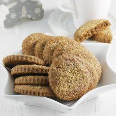 Niesamowicie pyszne i super maślane ciasteczka korzenne z cukrem trzcinowym. To super prosty przepis na ciastka korzenne, który polecam szykować razem z dziećmi. Robienie tych ciastek to czysta przyjemność. No Bake Cookies, Baking Cookies, Scones, Biscuits, Bread, Recipes, Food, Crack Crackers, Cookies