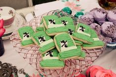 Mad hatter sugar cookies | Alice in Wonderland dessert table