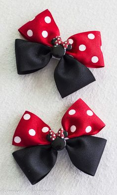 Here we have a different take on our Minie Mouse Bows. This is our Flat boutique style bow and would look adorable on any little Disney loving girl. With this listing you can chose the clip style and order either one or two bows. ****If you need the bow/s before a certain date please write it in the note to sellar section. Our processing time is as follows: Hairbows and hedbands: anywhere from 3 to 15 days to proces. We have been busier than normal and are trying our best to get orders ...