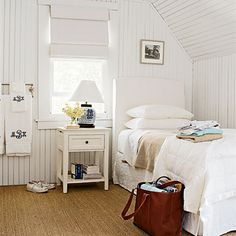 Photo: Timothy Street-Porter, cottage in Main . guest bedroom .