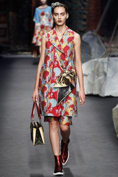 1d62f2b16eb5d Antonio Marras Spring 2016 Ready-to-Wear Fashion Show