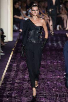 Atelier Versace Outono-Inverno 2014-2015 - Alta-Costura - http://pt.flip-zone.com/fashion/couture-1/fashion-houses/atelier-versace-4789 - ©PixelFormula