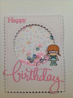 Happy birthday shaker kort.  Stempel: Mama Elephant: Tiny heroes Dies:  Mama Elephant: All prettied up creative cuts