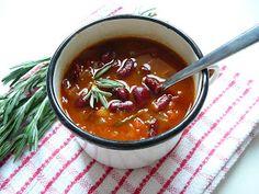 Paradajkovo-fazuľová polievka