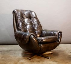 Low%20Mid%20Century%20Pod%20Lounge%20Chair%20-%20Charcoal%20vinyl%20%40flea_pop