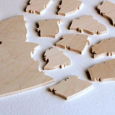 Custom Wood Puzzle. A fun guest book alternative. Your guests sign, you assemble! Many shapes available. By Bella Puzzles.