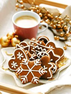Christmas cookies with chocolate - I Biscottini di Natale al cacao sono un pensierino davvero originale e delizioso da regalare, ben confezionati, in occasione delle Festività!