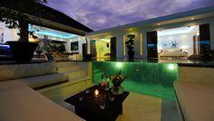 Passez un moment #convivial en #famille ou entre #amis au bord de la piscine