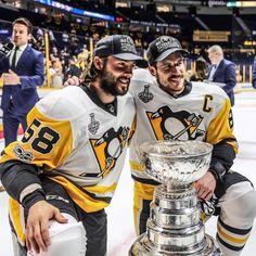 Sidney Crosby Kris Letang Pittsburgh Penguins  2017 Stanley Cup Champions  Pens Hockey, Ice Hockey Teams, Hockey Players, Sports Teams, Pittsburgh Sports, Pittsburgh Penguins Hockey, Worst Injuries, Lets Go Pens, Penguin Love