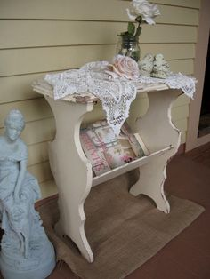 Shabby Chic white Table Vintage plant Table by Fannypippin, Shabby Chic Porch, Shabby Chic Antiques, Shabby Chic Cottage, Shabby Chic Furniture, Shabby Chic Decor, Painted Furniture, Estilo Shabby Chic, Shabby Chic Style, Magazine Table