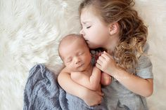 Best sibling shot EVER. <3  Max and Lucy | Oregon Newborn Photographer| Lacey Meyers Photography