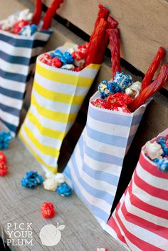 LOVE the colors of these treat bags! #paperbags #treatbags