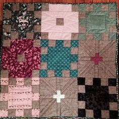 """Sorry for the gloomy pic - it's brighter #schnitzelandboominiquiltswap partner but here's the finish and since it came in about 4"""" over I made a second mini much smaller to go with - pattern is from Tula special insert in @lovequiltin"""