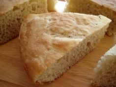 Schlotzsky's Deli Bread - will add cheddar and jalapenos when I make this...yum!!
