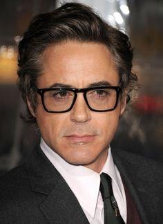 a8c3a8241b72 robert-downey-glasses-580x797 Stanley Tucci, Aaron Tveit, Robert Downey Jr
