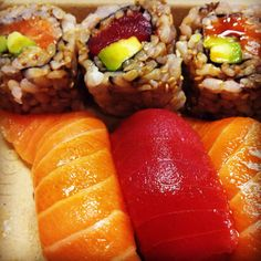 Brown rice sushi is always a better alternative to white rice!