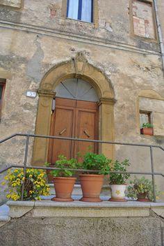 Door of the day    www.cookintuscany.com     #italy #culinary #cooking #school #cookintuscany #italyiloveyou #allinclusive #montepulciano #italy #culinary #montefollonico #tuscany #school #class #schools #classes #cookery #cucina #travel #tour #trip #vacation #pienza #florence #siena #cook #cortona #pienza #pasta #iloveitaly #underthetuscansun #wine #vineyard #pool #church #domo #gelato #dog #vino