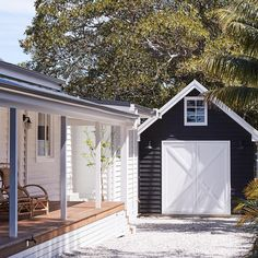 Some of my fav things - Weatherboards , verandahs and a sweet little barn garage at the gorgeous 💙 Barn Door Garage, Barn Doors, Weatherboard House, Barns Sheds, Beach Shack, Facade House, Coastal Cottage, House Goals, Modern Farmhouse