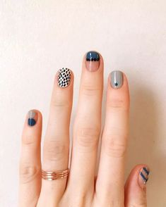 Nail Art Designs In Every Color And Style – Your Beautiful Nails Minimalist Nails, Nail Art Abstrait, Nail Art Halloween, Halloween Makeup, Halloween Eyeshadow, Halloween Halloween, Ten Nails, Nail Patterns, Pattern Nails