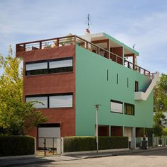 Le Corbusier's colourful Cité Frugès workers' housing now hosts fashionable apartments