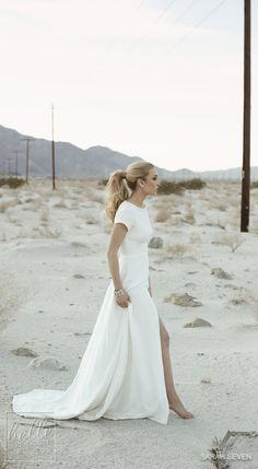 Lovely and trendy robe. // sarah-seven-the-bridal-atelier-bridal-gown-wedding… Lovely and trendy robe. Perfect Wedding, Dream Wedding, Wedding Beach, Elegant Wedding, Sleek Wedding Dress, Trendy Wedding, Gypsy Wedding Dresses, Short Sleeved Wedding Dress, Wedding Dresses Simple Short