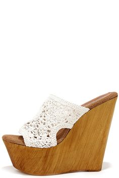 Capture that sultry Spanish style in the Sbicca Cordoba White Macrame Platform Wedges! A white macrame peep toe upper is cute and Bohemian over a wooden wedge heel. Cute Wedges, High Wedges, Shoe Boots, Shoe Bag, Dream Shoes, Leather Sandals, Wedge Sandals, White Shoes, White Leather