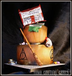 Harry Potter cake by Yuma Couture Cakes, via Flickr