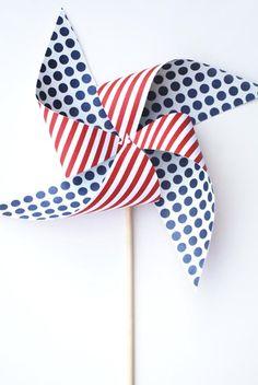 DIY Pinwheel : DIY 4th of July Pinwheels