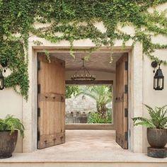 Ideas Home Design Exterior Simple Doors Design Exterior, Exterior House Colors, Interior And Exterior, Future House, Home Decor Baskets, Wooden Front Doors, Spanish Style Homes, House Entrance, Garden Entrance
